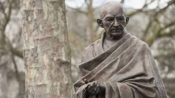 Happy Gandhi Jayanti Wishes in Hindi